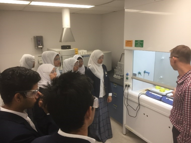 AIIC Chemistry Students 3